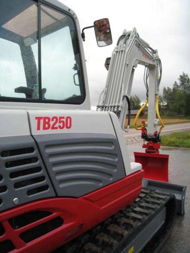 takeuchi-tb-250